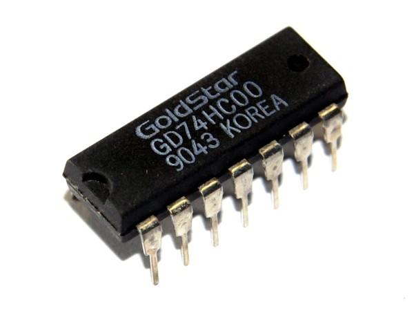 IC SN7400
