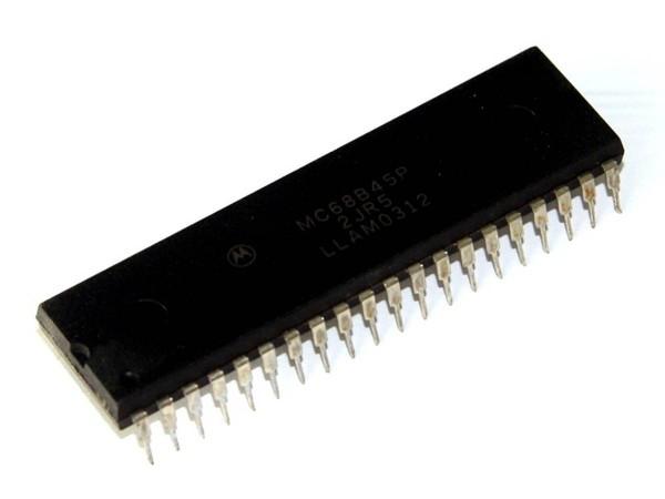 IC MC68B45P, Processor